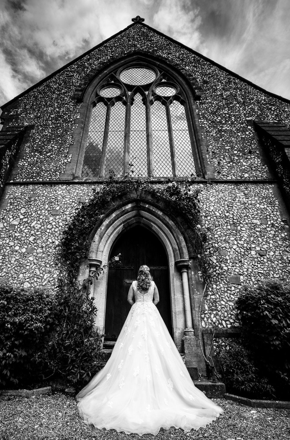 hampshire-selsey-london-wedding-photography-videography-marquee-church-36