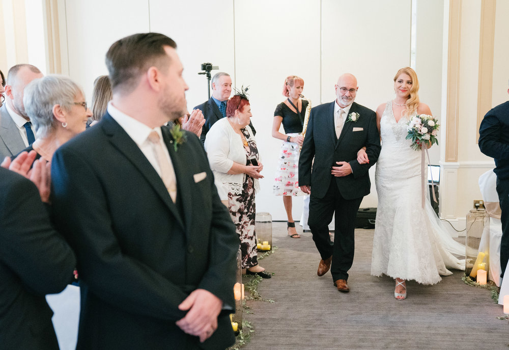 london-surrey-wedding-photography-nutfieldpriory-woldinghamgolfclub-25