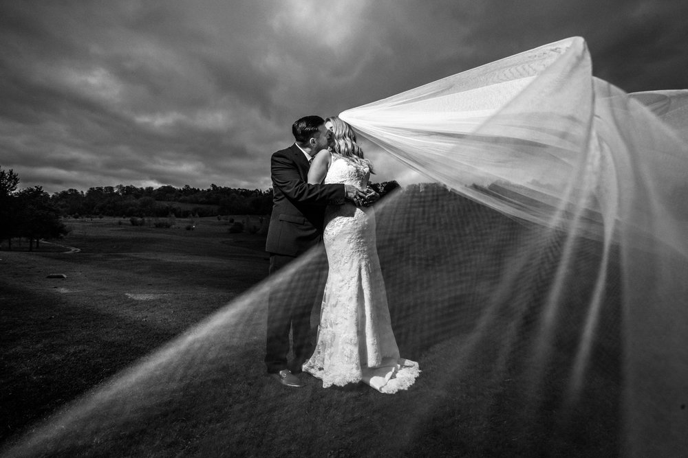 london-surrey-wedding-photography-nutfieldpriory-woldinghamgolfclub-41