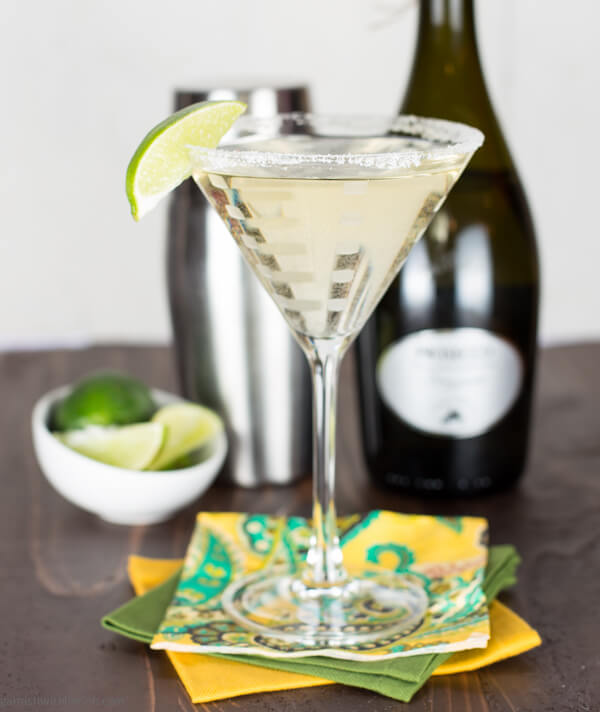 Gin-Elderflower-Prosecco-Cocktail.jpg
