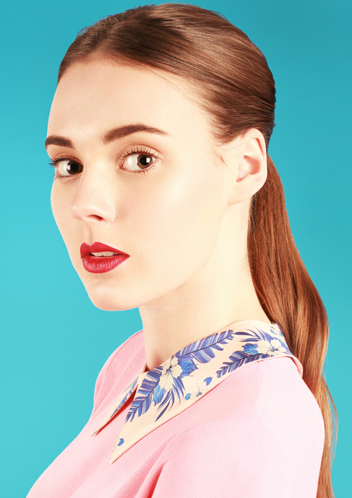 Cléo Ferin Mercury Tropical Flower detachable collar (light).jpg