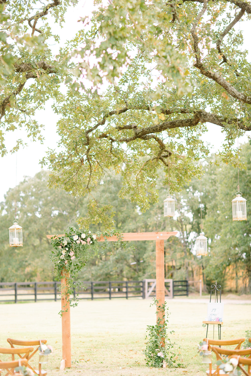 Outdoor Wedding Ceremony in Dallas - White Sparrow barn Wedding