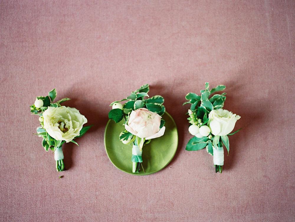 Garden Inspired Wedding Boutonnieres - Dallas Wedding Flowers