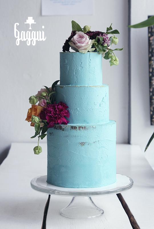 Turqoise Wedding Cake Gaggui.jpg