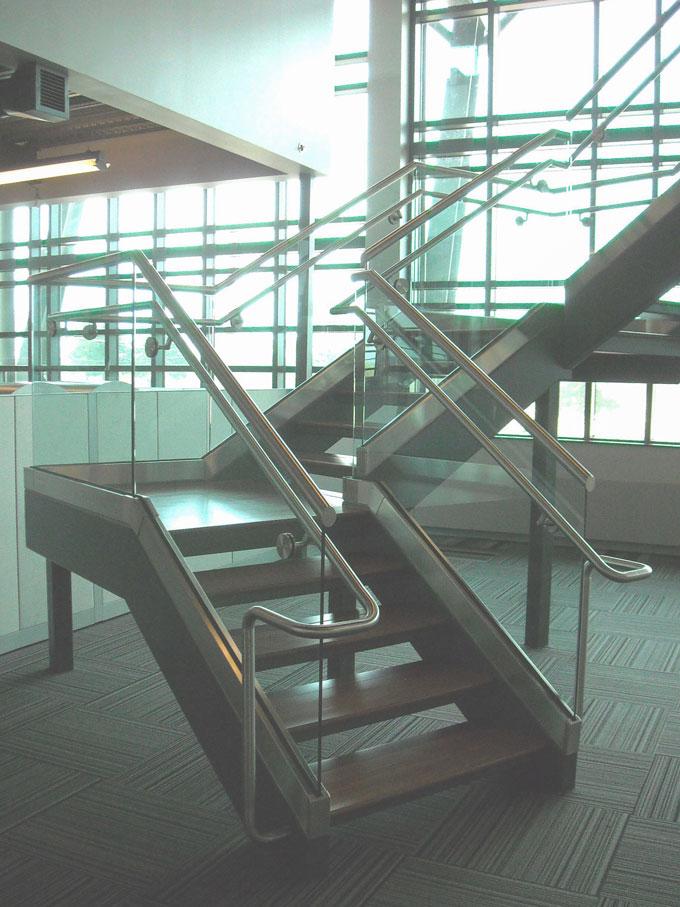 White-River-Electric-Cooperative---Laminated-Glass-Guardrail-&-Handrail---West-Branson-MO.jpg