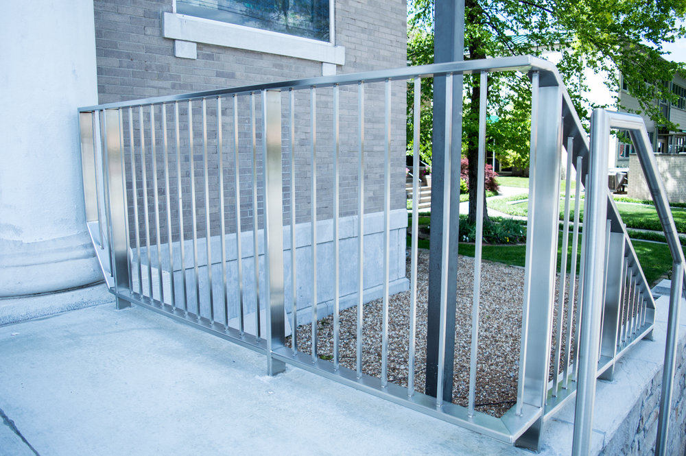 Custom Fabricated Stainless Steel Drink Rail and Single Line Hand Rail