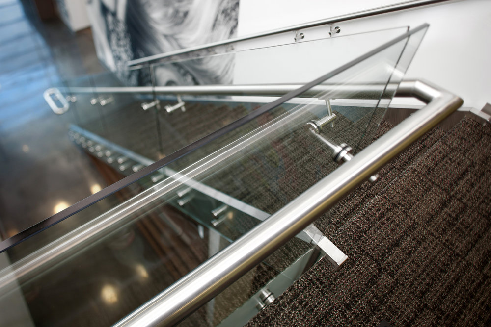 Custom Stainless Steel Glass Panel Guardrail