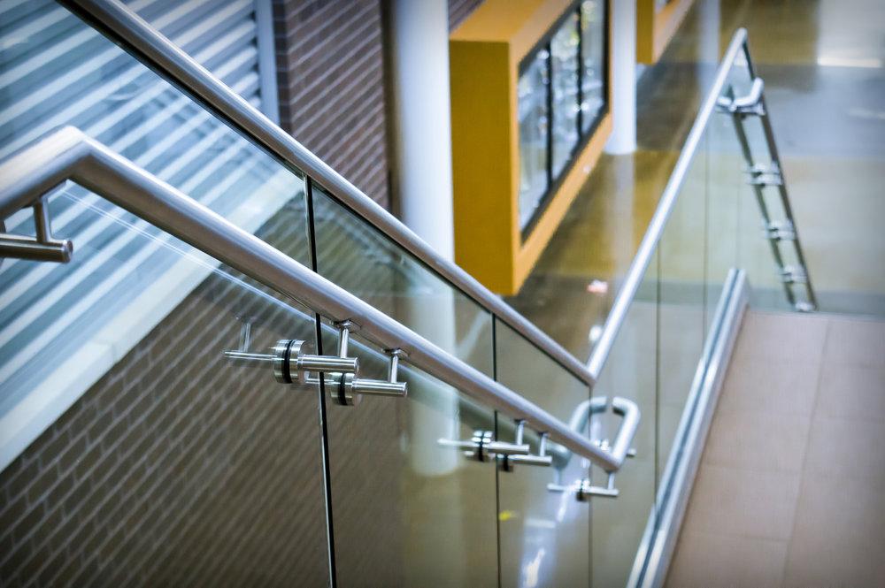 Custom Stainless Steel Glass Guardrail