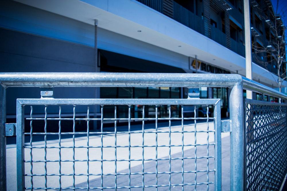 Custom Galvanized Mesh Guardrail