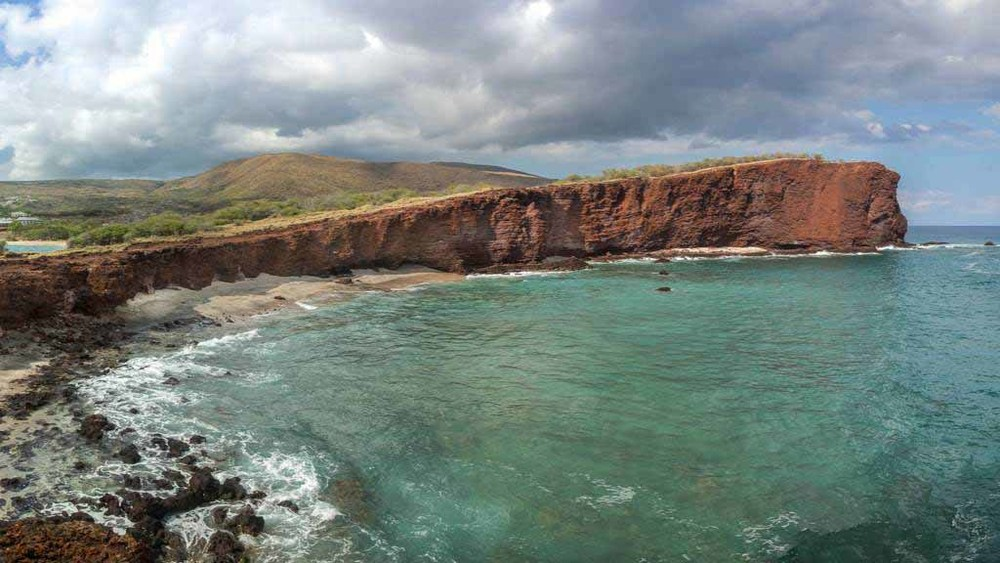 33457566_fs_manele_bay_guestrooms_1.jpg