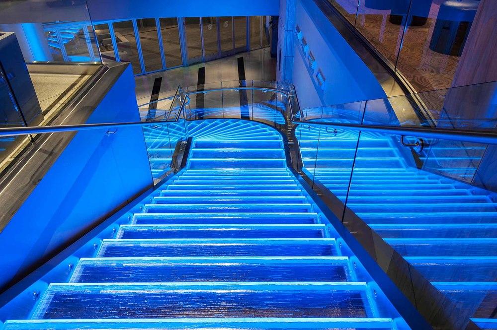 33674292_4_stairs_detail.jpg