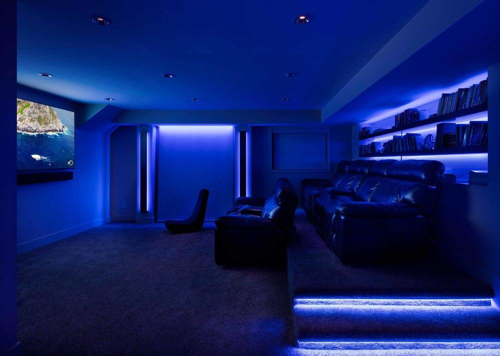 33674472_8-livingroom_blue.jpg