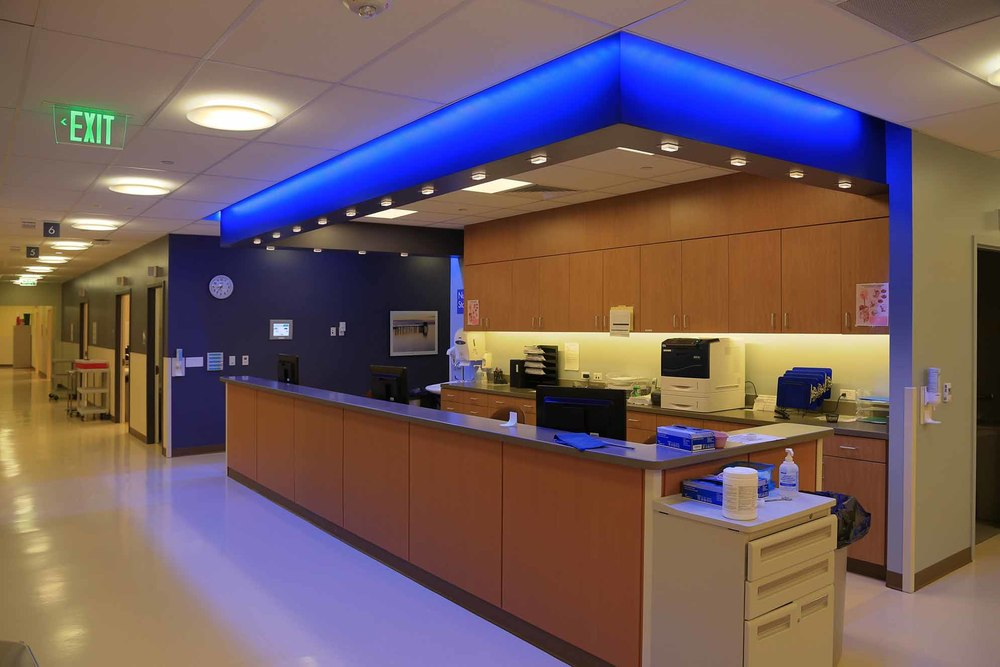 33674493_9_patient_care_reception.jpg