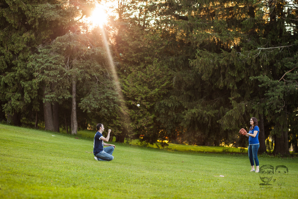 143Toronto and Niagara Photographers. Jono & Laynie Co. Engagement Session_.jpg