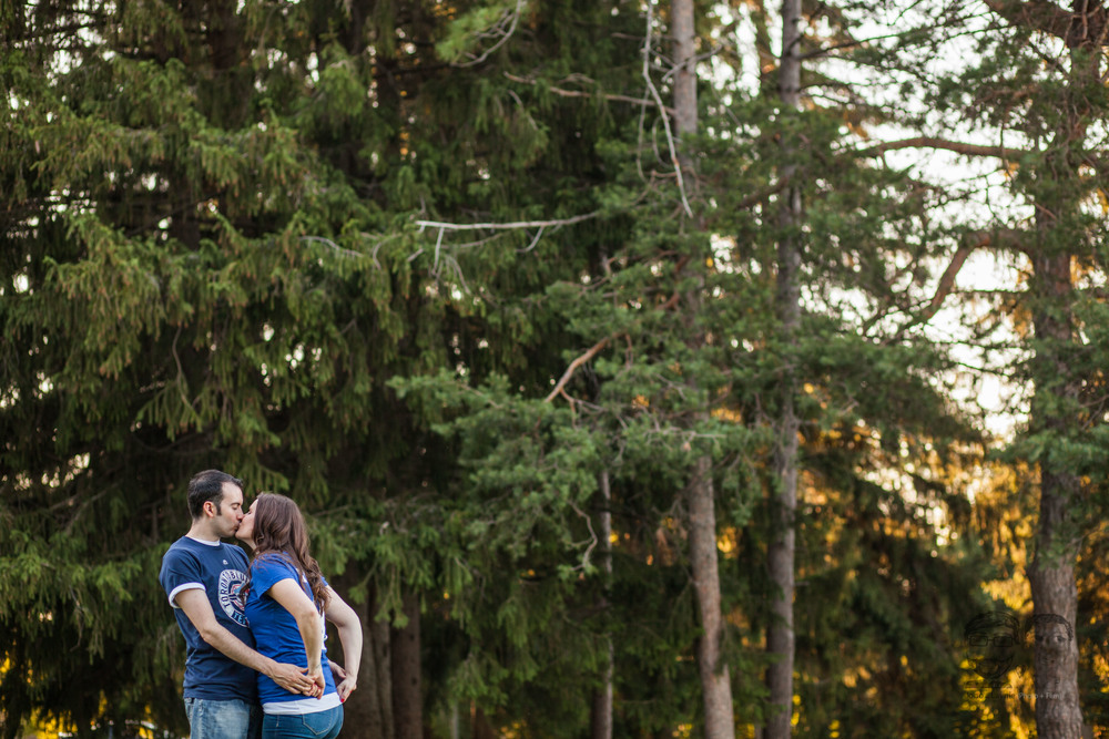 149Toronto and Niagara Photographers. Jono & Laynie Co. Engagement Session_.jpg