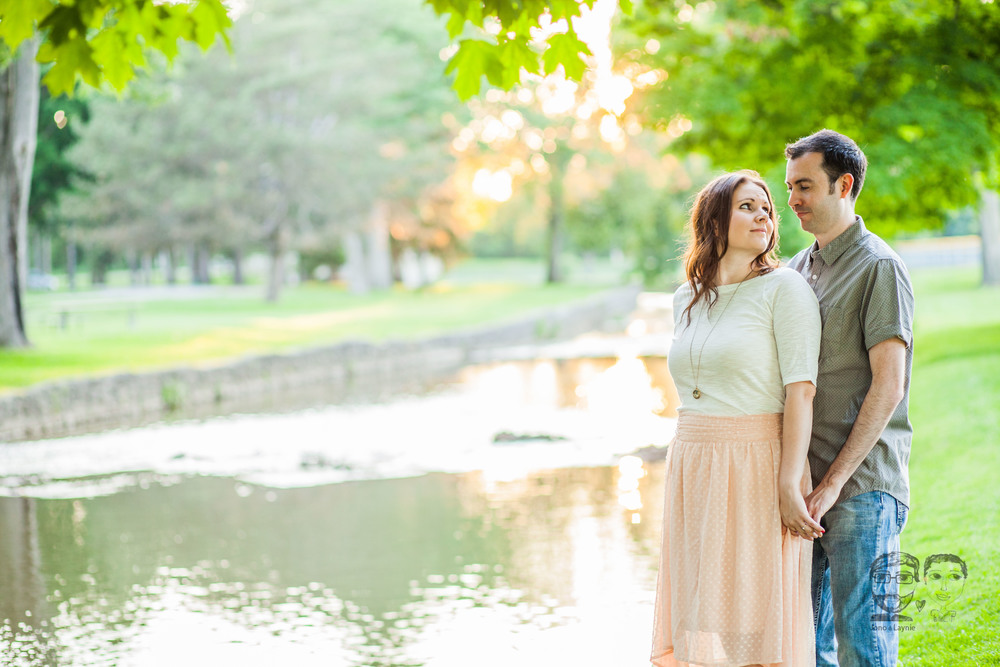 160Toronto and Niagara Photographers. Jono & Laynie Co. Engagement Session_.jpg