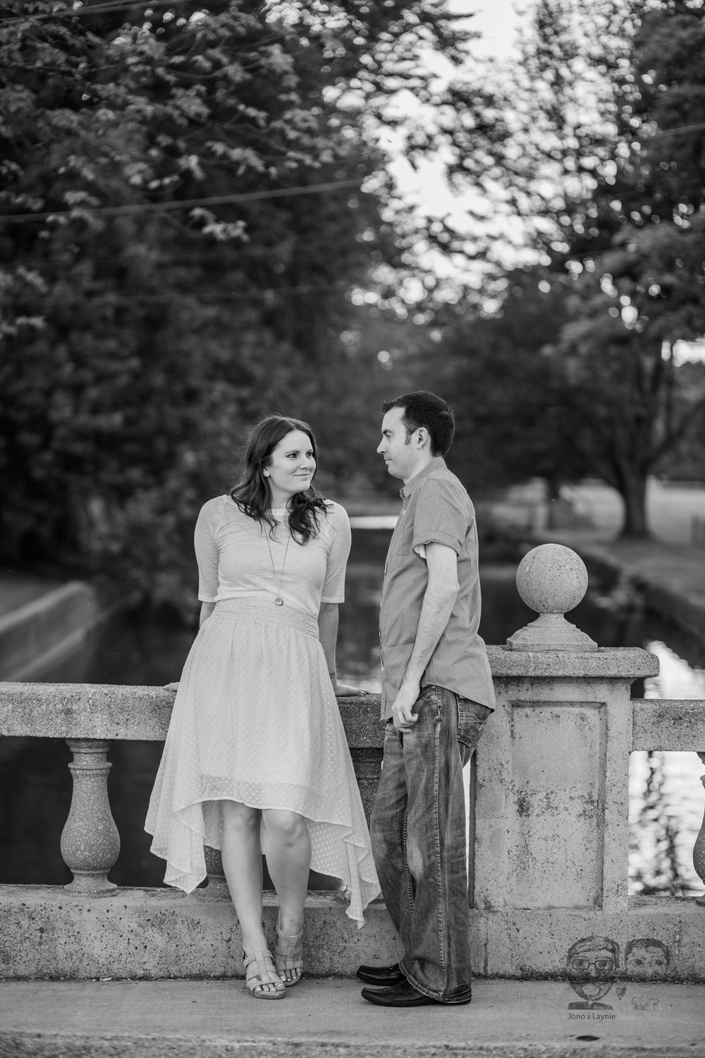 179Toronto and Niagara Photographers. Jono & Laynie Co. Engagement Session_.jpg