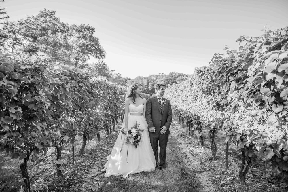 0117Riverbend Inn - Niagara photographers - Jono & Laynie Co.jpg
