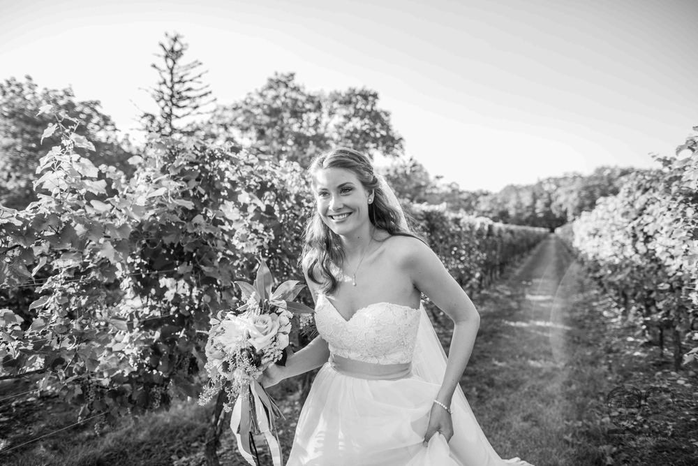 0124Riverbend Inn - Niagara photographers - Jono & Laynie Co.jpg