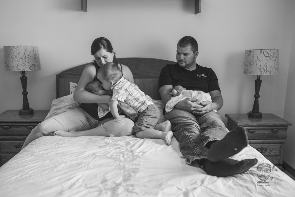Brantford Newborn Lifestyle Photography-Jono&Laynie13.jpg