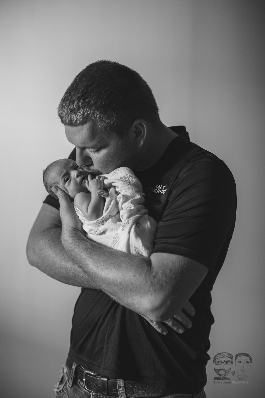 Brantford Newborn Lifestyle Photography-Jono&Laynie34.jpg