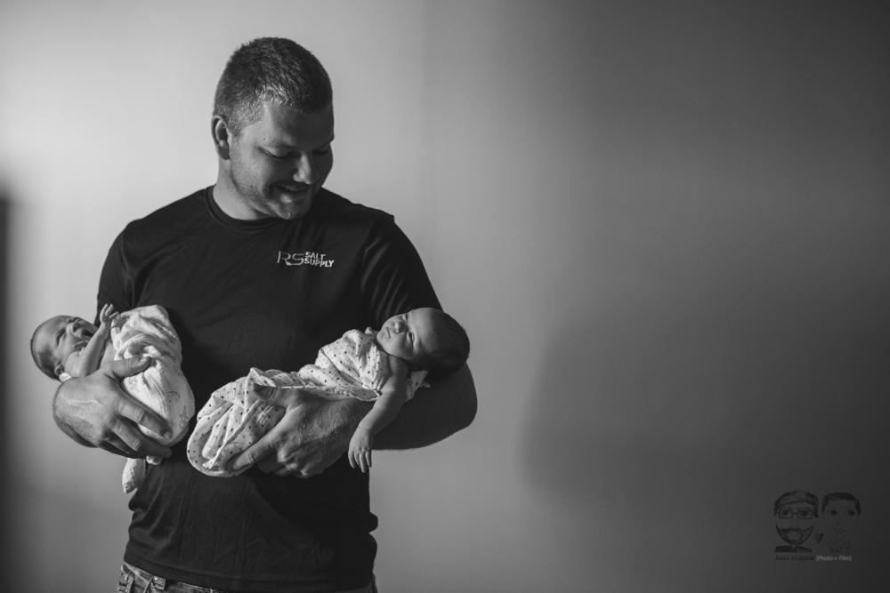 Brantford Newborn Lifestyle Photography-Jono&Laynie39.jpg