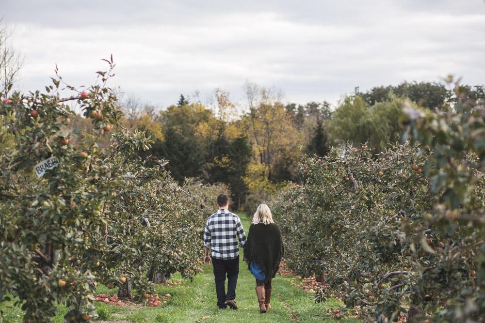 Myers Apple Farm Engagement Session006.jpg