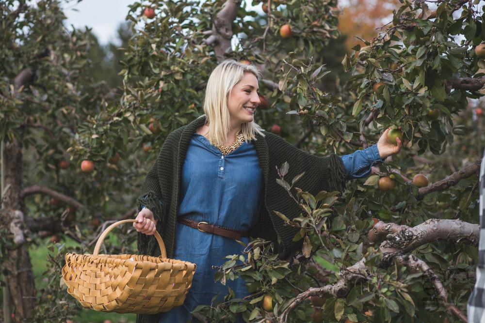 Myers Apple Farm Engagement Session093.jpg