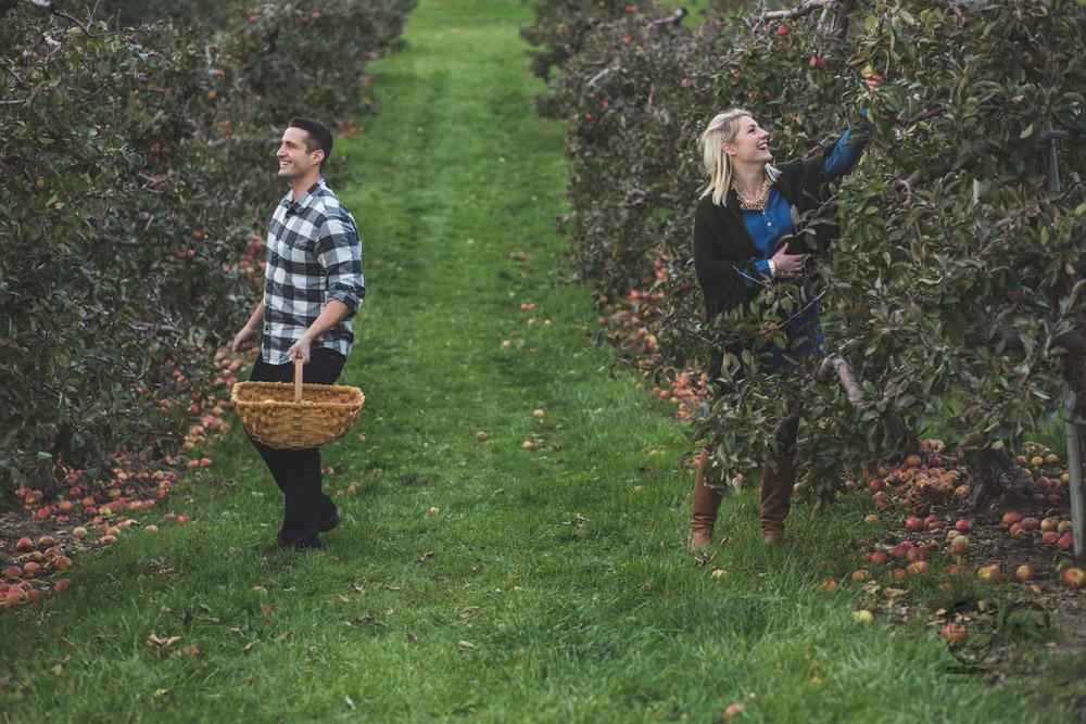 Myers Apple Farm Engagement Session103.jpg
