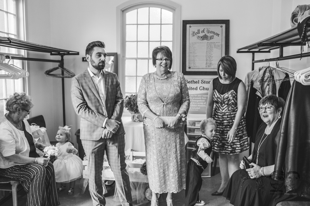 Brantford Wedding Photographer-Jono & Laynie041.jpg