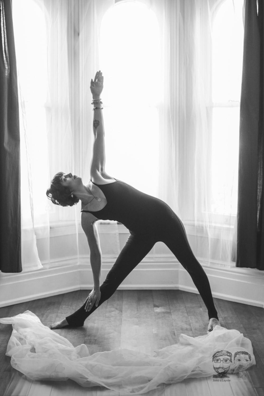 Brantford Photography Studio-Yoga05.jpg