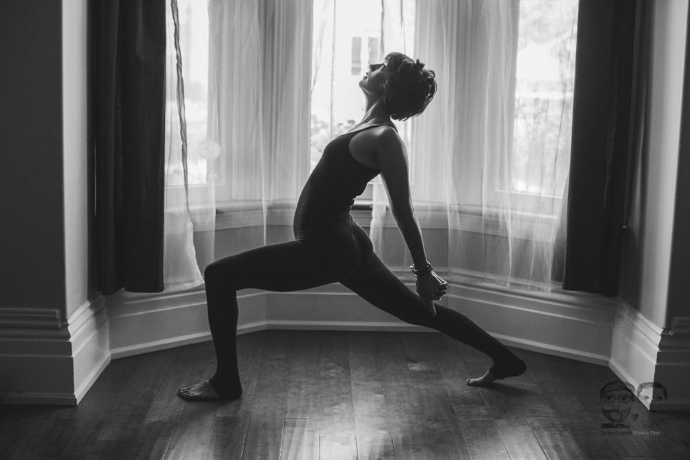 Brantford Photography Studio-Yoga09.jpg