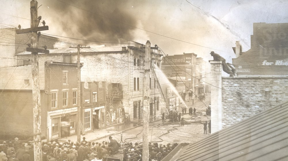 o Academy of Music Fire 1911.jpg