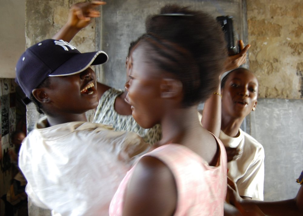 Students of EducAid Sierra Leone dancing