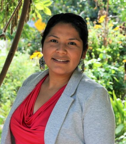Jeannette Salinas: Coordinadora en la escuela Snow