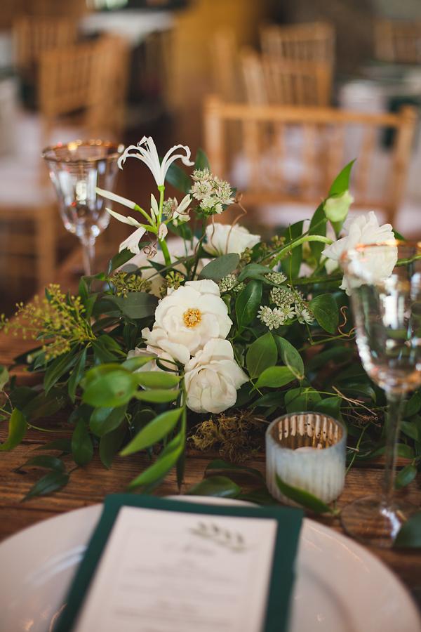 heavenmcarthur-summerRobbins-flowers-wedding1-305-webRes.jpg