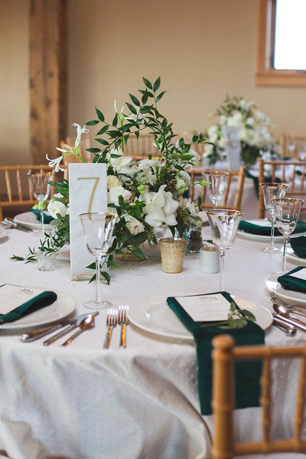 heavenmcarthur-summerRobbins-flowers-wedding1-277-webRes.jpg