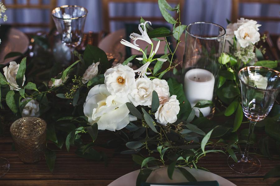 heavenmcarthur-summerRobbins-flowers-wedding1-270-webRes.jpg