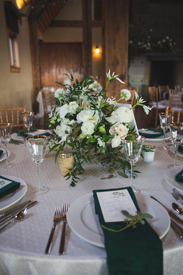 heavenmcarthur-summerRobbins-flowers-wedding1-255-webRes.jpg