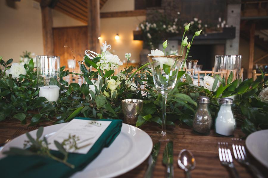 heavenmcarthur-summerRobbins-flowers-wedding1-246-webRes.jpg