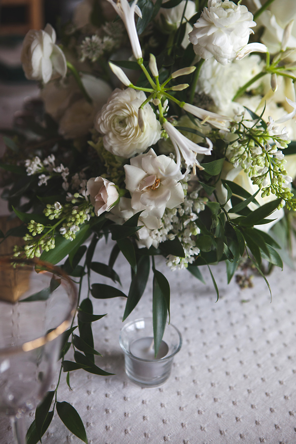 heavenmcarthur-summerRobbins-flowers-wedding1-216-webRes.jpg