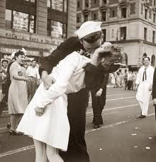 WWII_The_Kiss.jpeg