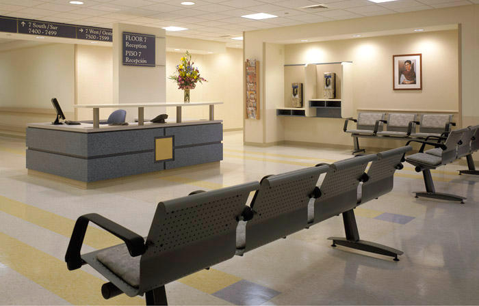 Chicago-Architect-Dani-Fitzgerald-designed-interior-medical-facility-waiting-room
