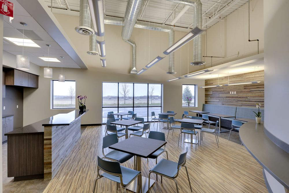 Chicago-Architect-Dani-Fitzgerald-Custom-Design-Planning-corporate-interiors-cafeteria