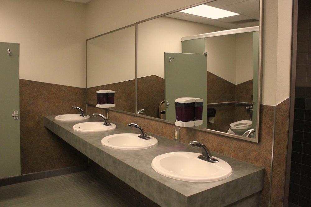 Sink Stalls