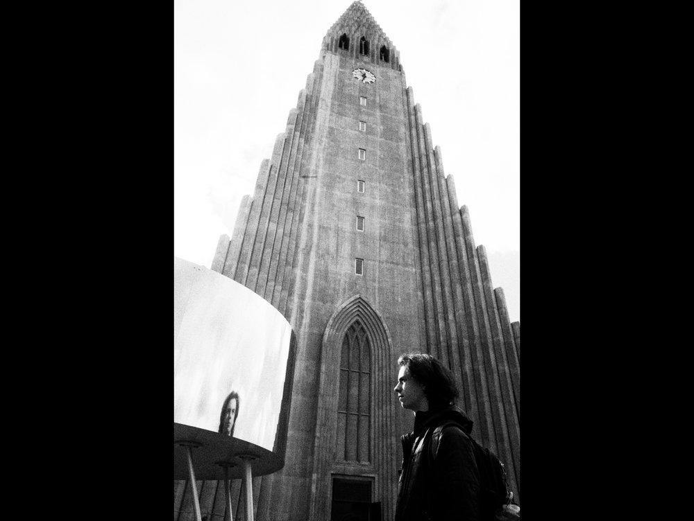 Rowan at the Lutheran church Hallgrímskirkja in Reykjavík.