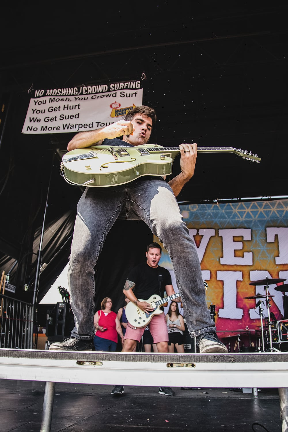 D2_Warped_Camden_We_the_Kings_013.jpg