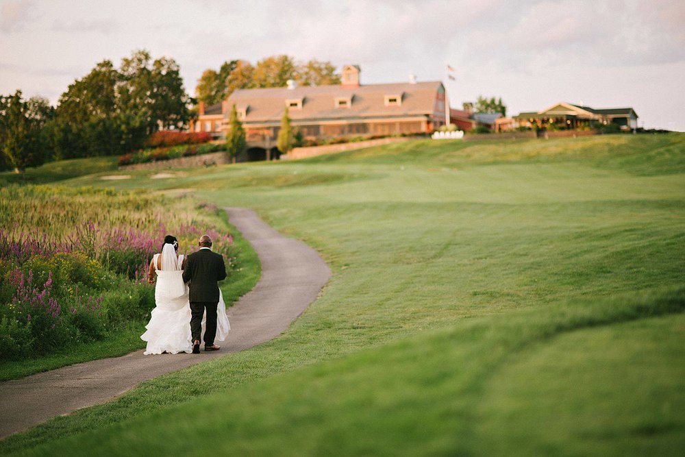 Weddings at the Red Barn - Plan the rustic barn wedding of your dream at the Red Barn at Outlook Farm where New England charm meets subtle elegance. Imagine your wedding guests mingling, dining, and dancing while enjoying spectacular views of our 18-hold championship links-style golf course. Please inquire about our available dates here. Download our 2018 Wedding Packages or view our 2018 Wedding Packages page for prices and menus.