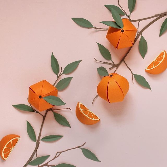A delightful slice of inspiration by @_sarah_matthews 😍🍊#paperart