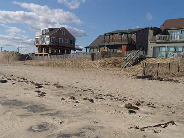To build or not rebuild? That is one of the many questions Rhode Island is debating when it comes to shoreline protections. (Frank Carini/ecoRI News)